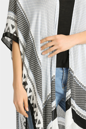 Piper - Jacquard Graphic Wrap