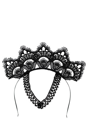 LADY OF LEISURE - Lace Crown With Motif