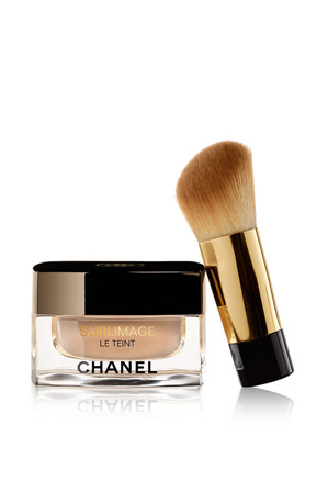CHANEL - Ultimate Radiance-Generating Cream Foundation