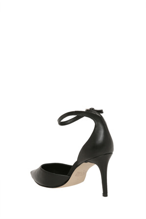 Wayne Cooper - Caterina Black Leather Pump
