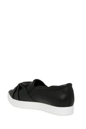 Wayne Cooper - Sass Black Leather Sneaker