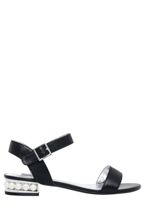 Collection - Pearl Black Sandal