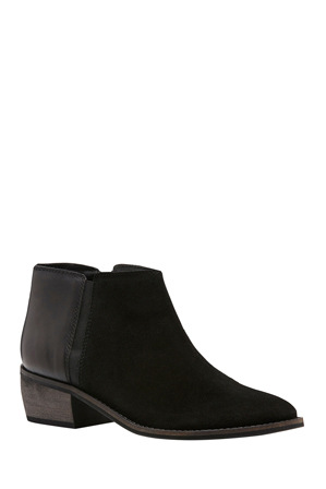 Hush Puppies - Delta Black Suede Boot