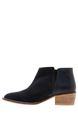 Hush Puppies - Delta Navy Suede Boot