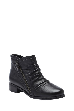Supersoft by Diana Ferrari - Pyramid Black Boot