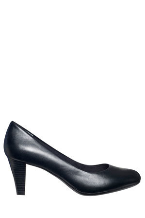 Supersoft by Diana Ferrari - Corey Black Pump
