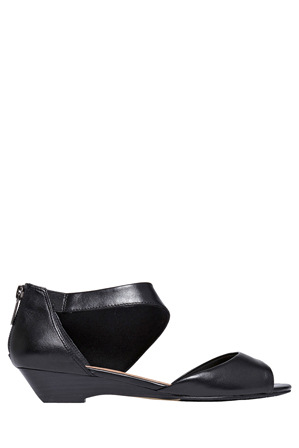 Supersoft by Diana Ferrari - Braydee Black Sandal