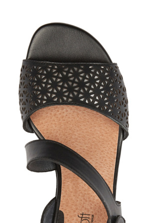 Supersoft by Diana Ferrari - Clyde Black Sandal