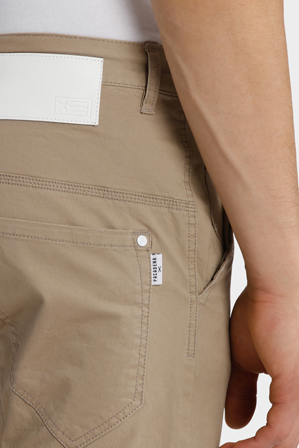 Nena & Pasadena - Flight Elastic Ankle Chino