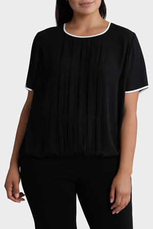 Basque Woman - Pleat Front Elastic Hem Top
