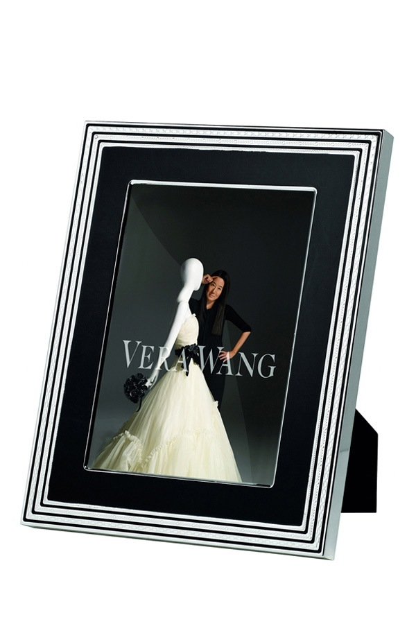 Wedgwood | Vera Wang With Love Frame 8"|920|1380|?|56ad4b1a59a35179b53b104317be89e2|False|UNLIKELY|0.3861725628376007